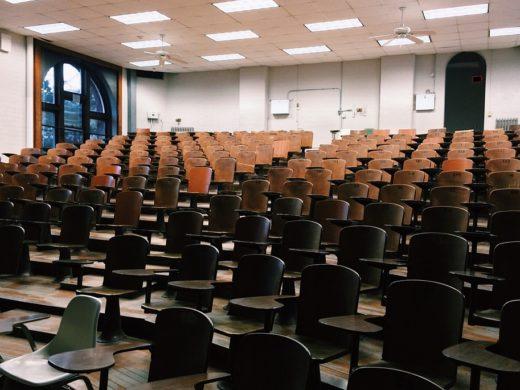 classroom-2093745_960_720