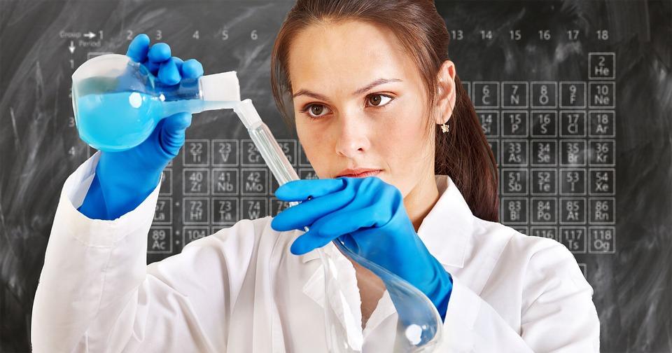 chemist-3014142_960_720